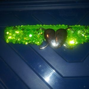 Green stretch sparkle belt with heart closure 26""